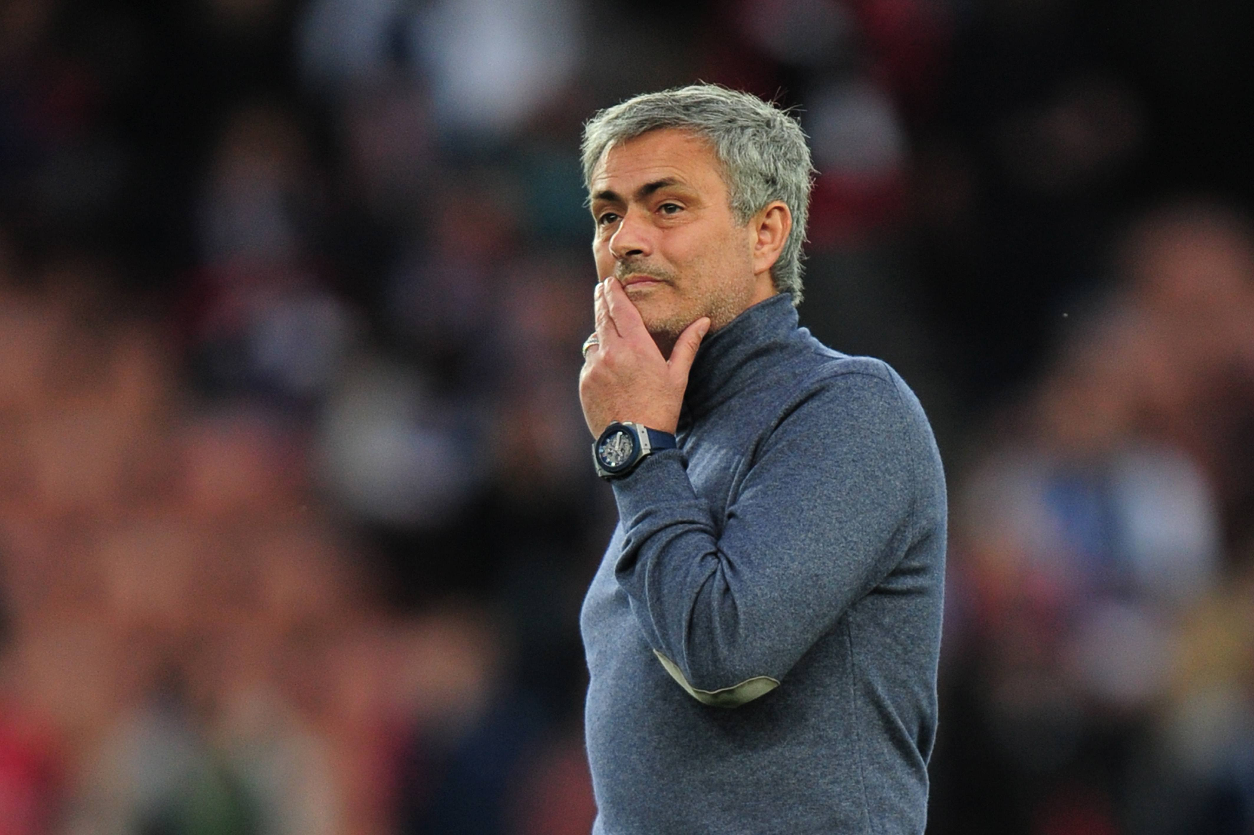 Mourinho Çıkış Yolu Arıyor