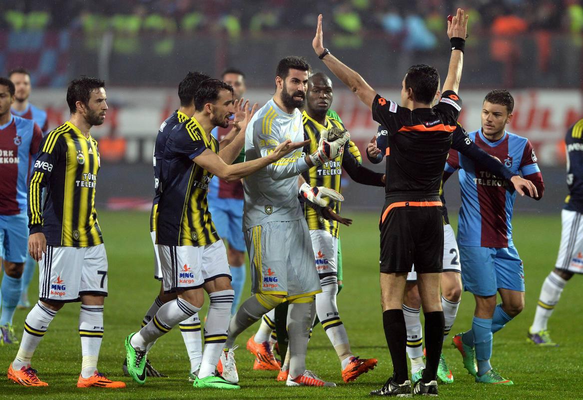 fenerbahçe-trabzonspor-maçı-saat-kaçta-futboltr